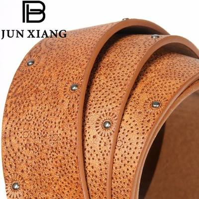 Fashion Women′s PU Embossed Belt with Rivits