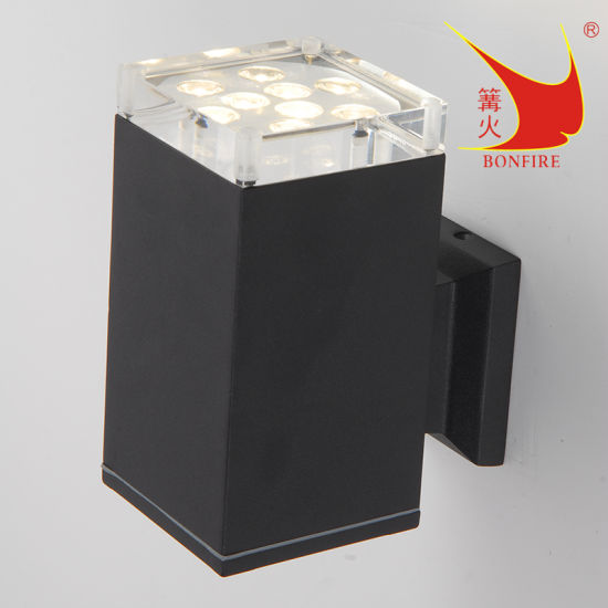 LED Outdoor Wall Light, Modern Design, with IP54 Aluminum Housing
