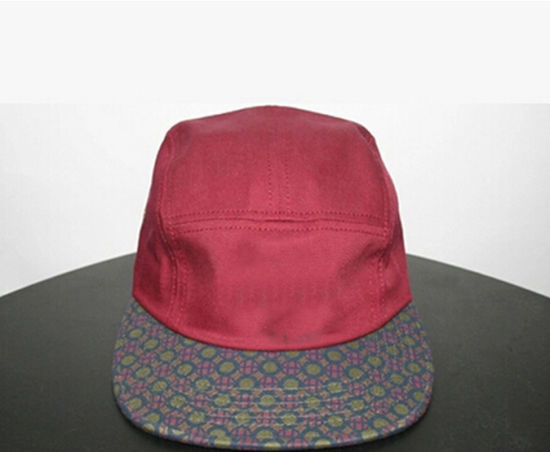 Fashion Leisure Red/Checked /Black Camper Cap