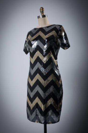 Women′s Bead Short-Sleeved Wave Evening Dress