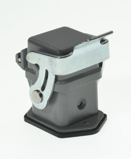China Cable Assembly Electrical Socket Cable Connector