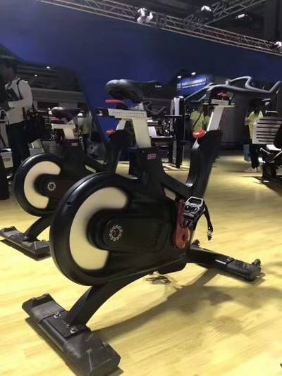 China Cardio Series Equipment Spinning Bike Commercial Gym Equipment