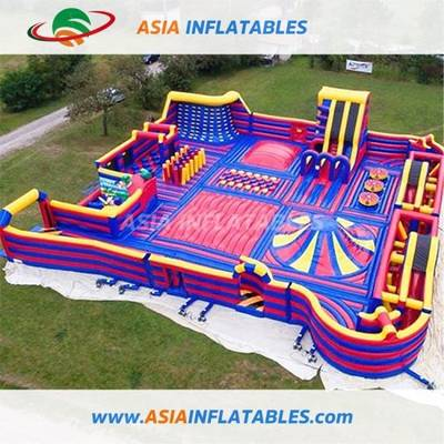 China Inflatable Theme Park Outdoor Inflatable Red Challenge Theme Park Giant Red Inflatable Theme P