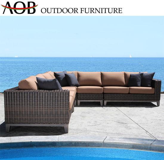 China Customized Hotel Garden Furniture Beach Hotel Rattan Wicker Outdoor Sofa with Cushion