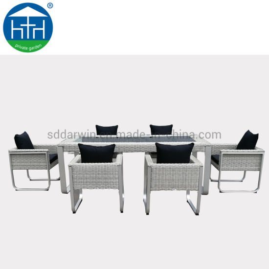 China Classic Patio Sets Outdoor Garden Furniture Outdoor Wicker Rattan Dining Table Chair