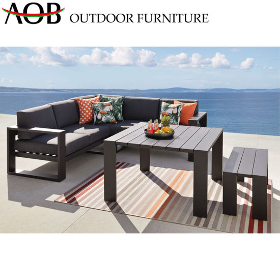 China Brown Rattan Weave Sofa Sets with Round Table Modern Design Hotel Restaurant Sofa pictures & photos