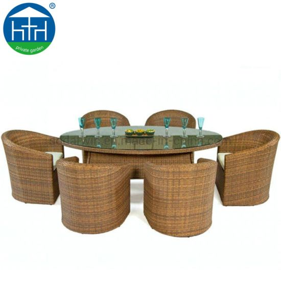 China Outdoor Restaurant Furniture Wicker Rattan Round Dining Table Chair Set