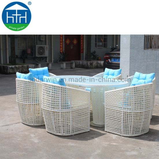China New Style Outdoor Table Chair Set Rattan Patio Dining Set Wicker Chair Table