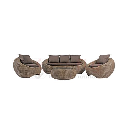 Oval Beam Waist Wicker Garden Sofa With Pumpkin Shape Rattan Coffee Table