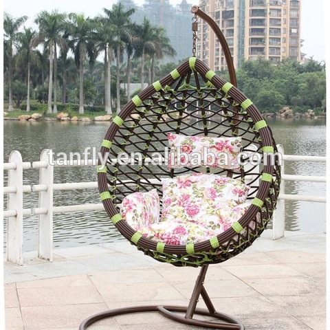 Fafo i fafo Faatoʻaga Wicker Swing Chair Patio