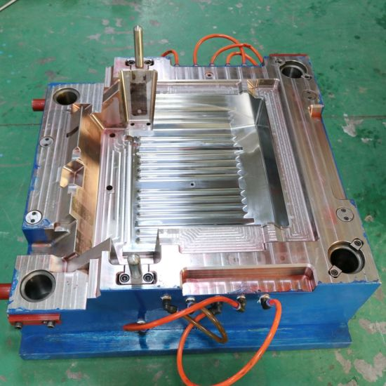 China High Precision Hot Runner Plastic Injection Mould for Automotive