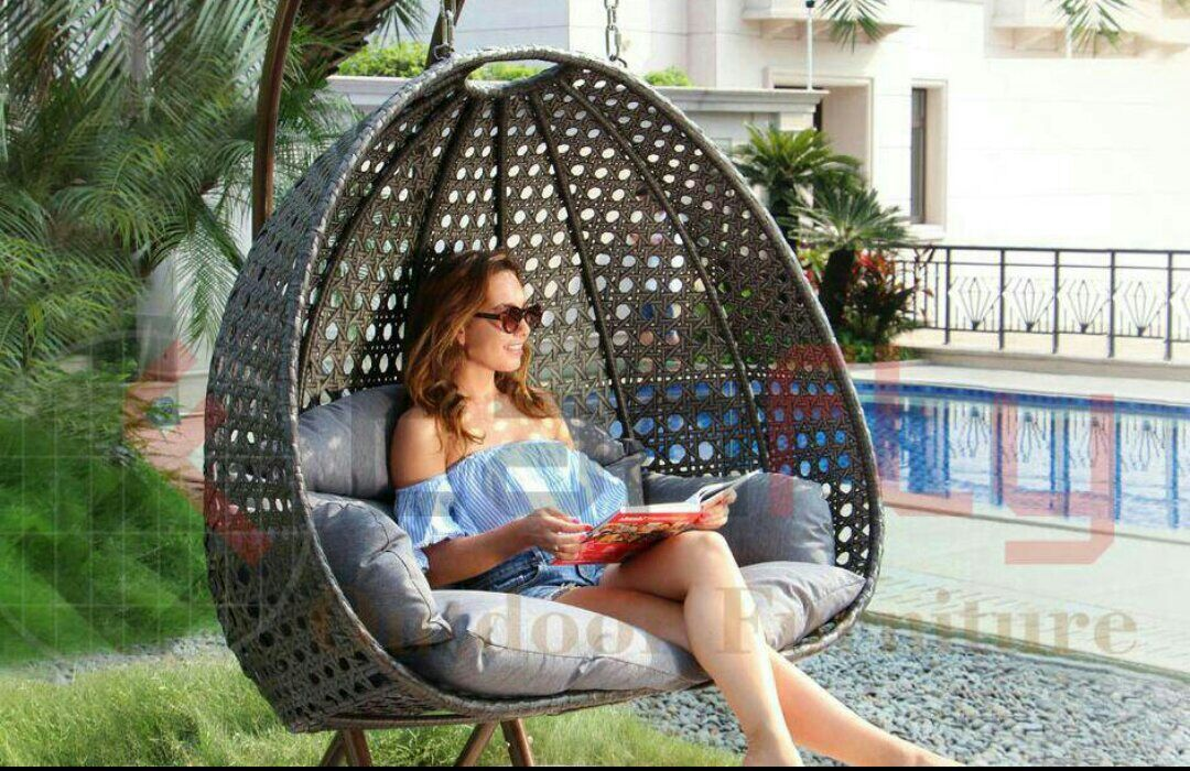 Multi-scenario Application Wicker Hanging 2 Person Egg Swing Chair In Beige pictures & photos
