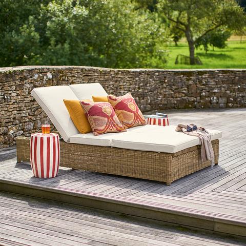 Двухместная мебель для отдыха в патио отеля, шезлонг, мебель для бассейна из ротанга на открытом воздухе
